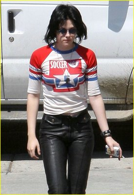 it's kristen, bitch! I mean joan jett...
