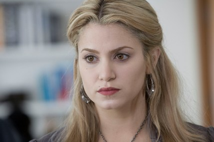 Rosalie in Twilight had majorly dyed platinum hair