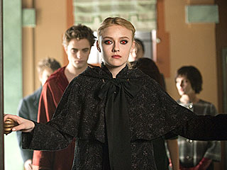 bravo to the hair and makeup of New Moon