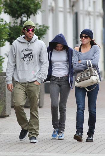 Paris Latsis, Kristen, Nikki, Nikki's favorite handbag