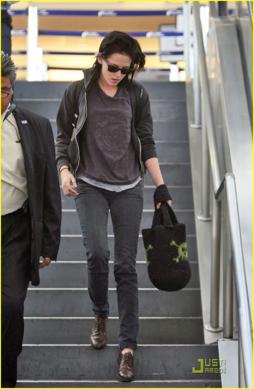 Kristen arriving today at LAX